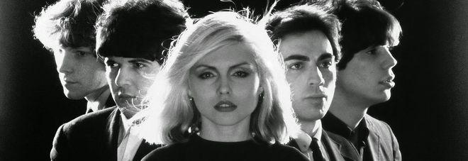Blondie, stregati da una bionda Video