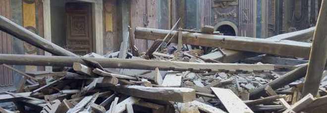 Roma, due indagati per il crollo del tetto della chiesa di San Giuseppe dei Falegnami