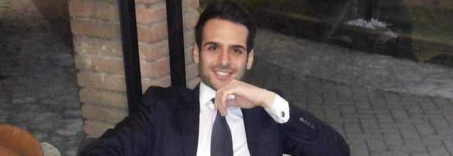 Campania choc, pacco bomba arriva a collaboratore del sindaco ed esplode: grave