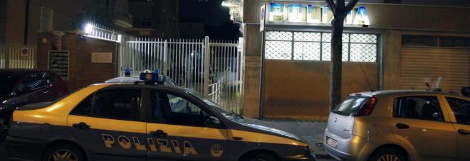 Roma, picchia per anni e taglia un dito alla nonna: arrestato 23enne