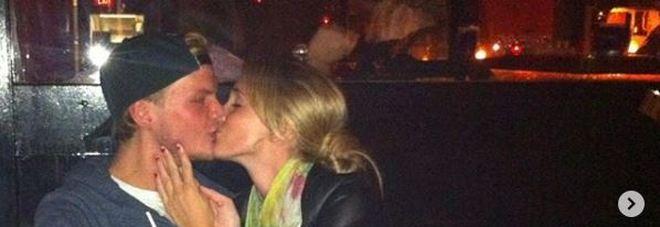 Avicii, lo strazio dell'ex fidanzata: «La canzone che scrisse per me»
