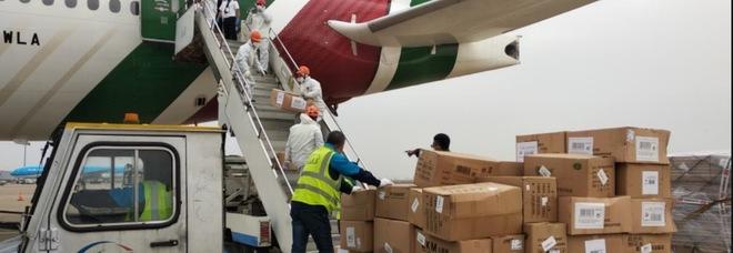 Coronavirus, in arrivo 3,5 milioni di mascherine dalla Cina su un volo speciale Alitalia