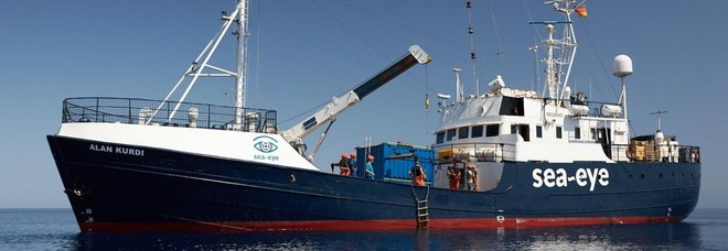 Migranti, ancora divieto di sbarco per la Alan Kurdi. Altre 34 persone salvate dalla Ocean Viking