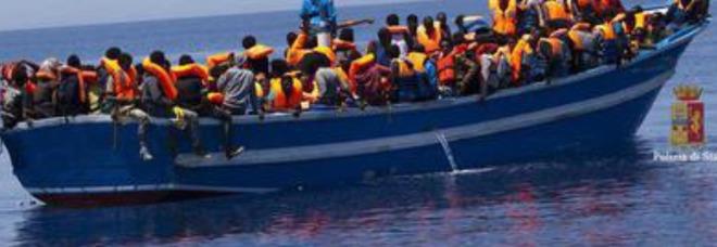 Migranti, l'Italia chiede aiuto all'Europa: rivediamo il trattato di Dublino
