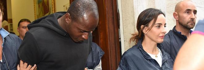 Stupro a Rimini, uno dei minori ora accusa Butungu: