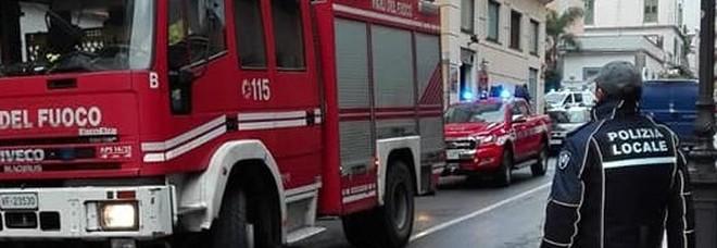 Vigili del fuoco in corso Filangieri (Vico Equense)