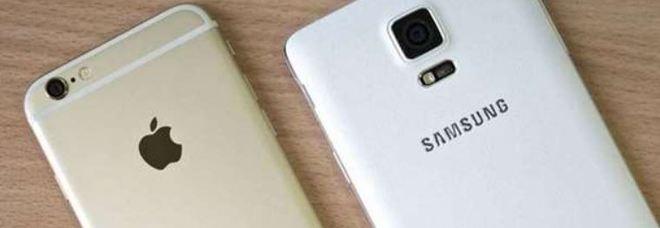 Samsung accusata di aver copiato l'iPhone: deve pagare 533 milioni di dollari a Apple