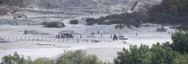 Tre morti alla Solfatara di Pozzuoli, i sanitari del 118: «Non abbiamo potuto fare nulla»