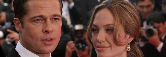 Angelina Jolie e Brad Pitt di nuovo ai ferri corti: l'attrice rischia la custodia dei figli