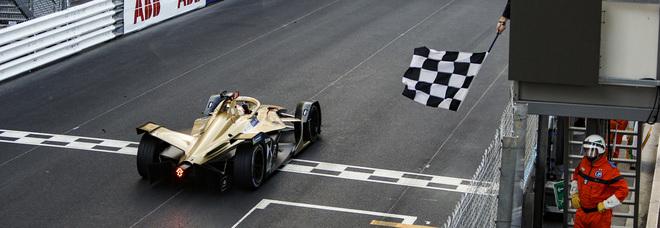 La DS Techeetah di Vergne taglia il traguardo dell'E-Prix di Monaco