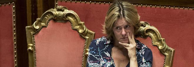 """Lorenzin attacca la Raggi: """"Non solo zanzare e topi, a Roma gravi problemi di igiene"""""""
