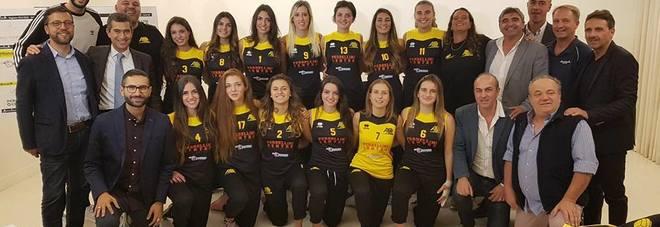 La rosa e la dirigenza Antoniana Volley Pescara