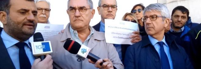 Giornalisti, la Puglia dice no alle minacce del Governo: il flashmob a Bari