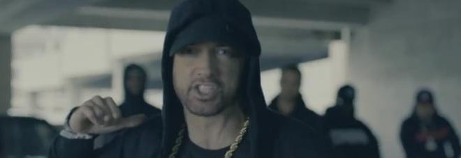Eminem contro Trump: «È un kamikaze, provocherà olocausto nucleare» Video