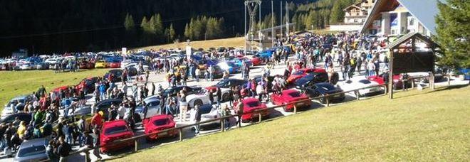Super bolidi sportivi sulle montagne: 1193 supercar al Dolomites street