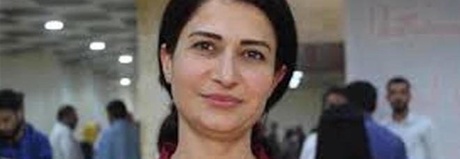 Hevrin Khalaf, uccisa la paladina curda delle donne: trucidata dai filo-turchi