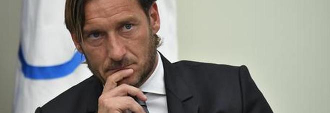 Francesco Totti e la quarantena: «A casa con Ilary Blasi mi sento un ospite...»