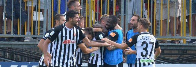 Ascoli-Lecce 1-0 Bomber Ardemagni decisivo Primi tre punti bianconeri
