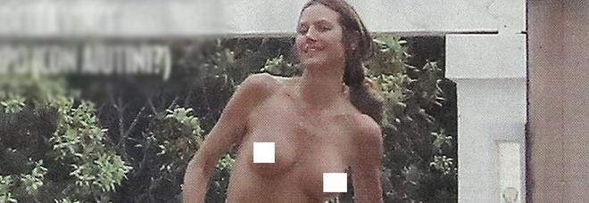 Heidi Klum, super topless a 44 anni nella vacanza con il musicista Tom Kaulitz
