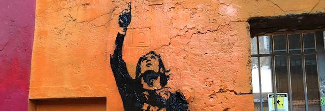 Roma, restaurato il murale di Totti a Monti