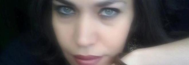 Angela Ferrara, la giovane scrittrice uccisa dal marito. Scriveva: «Gli occhi dei bimbi ciò di più bello al mondo»