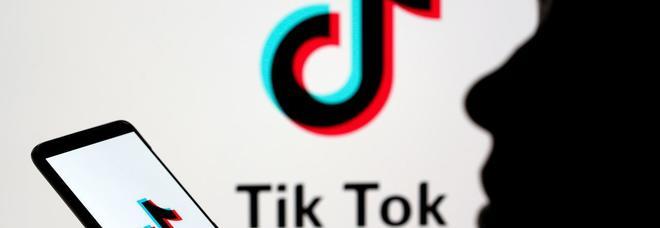 «TikTok trasferisce i dati in Cina»: studentessa fa causa, è il primo caso
