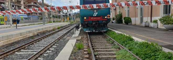 Ciampino, suicida alla stazione: treni fermi da un'ora