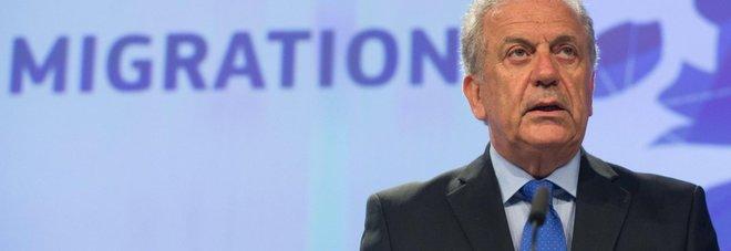 Ong, il commissario Ue:  «Sì alla Polizia giudiziaria a bordo  per fornire maggiore sicurezza»