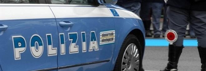 Folle inseguimento notturno: rom 14enni alla guida si schiantano con l'auto rubata