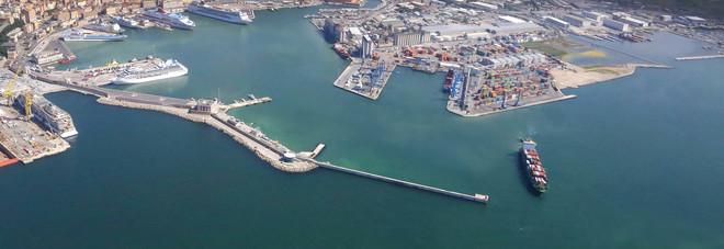 Tirreno e Adriatico, accordo tra porti. Giampieri: «Opportunità per Ancona»