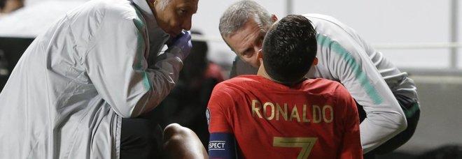 Cristiano Ronaldo soccorso dai medici del Portogallo