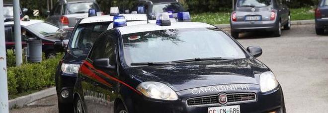Bussa alla porta dei pusher ma trova i carabinieri: arrestato 50enne che era condannato ai domiciliari