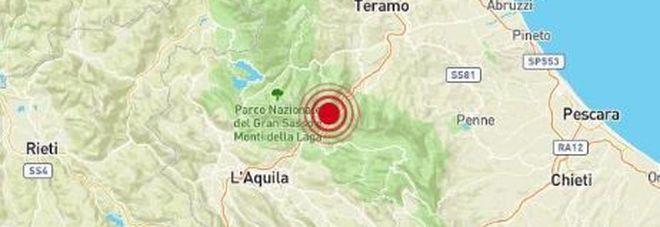 Terremoto, scossa in serata tra L'Aquila e Teramo: paura tra la gente, molte chiamate ai vigili del fuoco