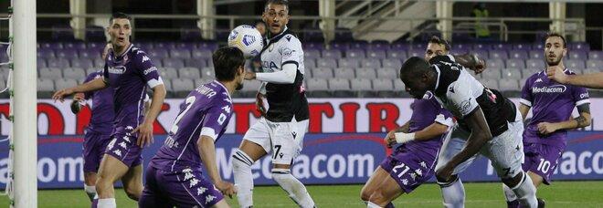 La Fiorentina soffre e rischia, ma riesce a superare l'Udinese 3-2