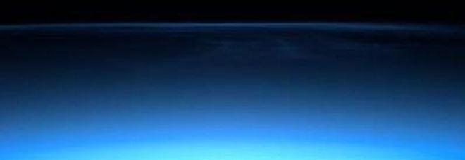 Luca Parmitano, subito emozioni in orbita con le nubi nottilucenti