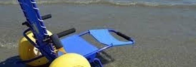 Rubata in spiaggia una sedia job per disabili da 900 euro