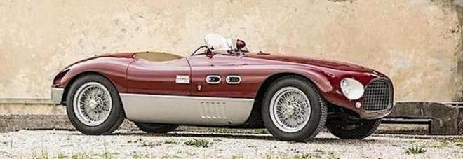 Rara Ferrari del 1953 dimenticata in un deposito a Napoli: è all'asta per 6,5milioni di euro