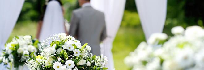 Sposa vegana esclude dalle nozze parenti e amici che mangiano carne: «Non voglio assassini».
