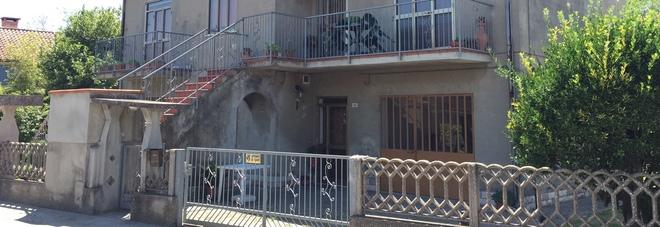 L'abitazione di via Marangona nella quale è avvenuto il tentato omicidio