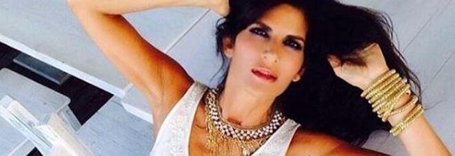 Pamela Prati mamma a sessant'anni: «La famiglia che ho sempre desiderato»
