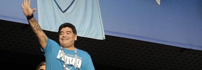 L'accusa di Maradona: «Mafia immigrati rinforza le Nazionali»