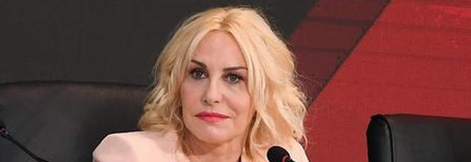 Antonella Clerici a Domenica In: «Mi figlia? Mi facevo le punture prima di andare in onda»