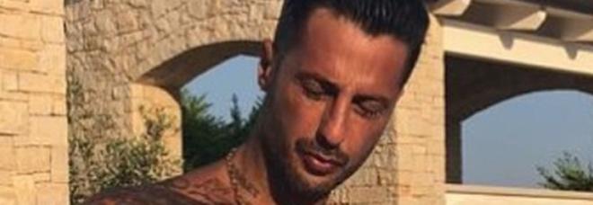 Fabrizio Corona: «Sesso con Lele Mora? Fossi stato bisex, ne avrei scelto uno carino»