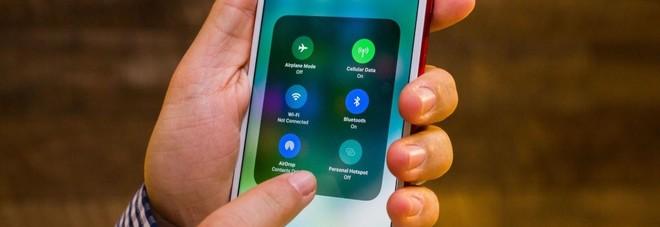 Apple, dopo le polemiche i consigli di Cupertino: ecco come far vivere più a lungo la batteria