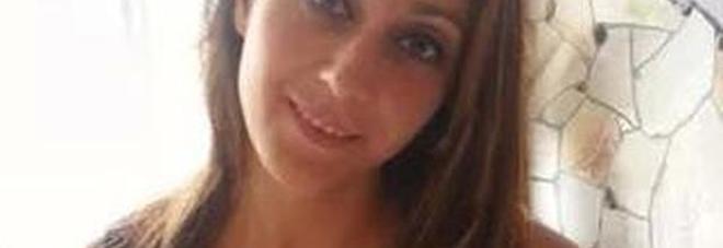 Raffaella, la psicologa che viveva per gli altri, muore annegata per salvare due ragazzi dalle onde