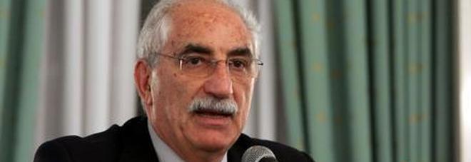 Il procuratore Spataro: «Non si può  vietare l'attracco a un barcone»
