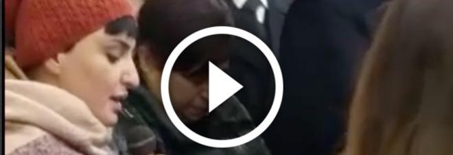 Rigopiano, Arisa canta ai funerali di Silvana e Luciano -VIDEO