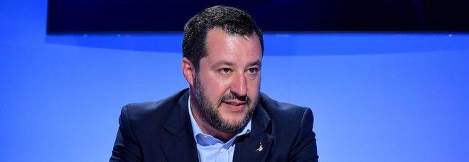 La Cei attacca Salvini, M5S ne approfitta: «Scomoda la Madonna per vincere le europee»