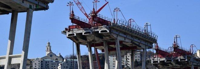 Ponte Morandi, falsi report sugli altri viadotti. L'ex manager di Autostrade: «Devo ridurre i costi»