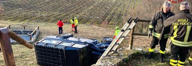 Incidente fatale: muore travolto  e schiacciato dalla propria auto